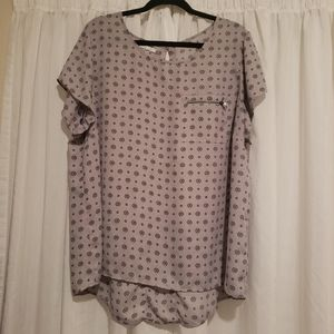 Maurices size 2 (18/20) blouse